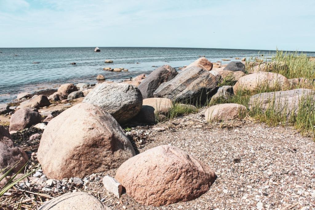 lielais lauču akmens vidzemes jūrmala