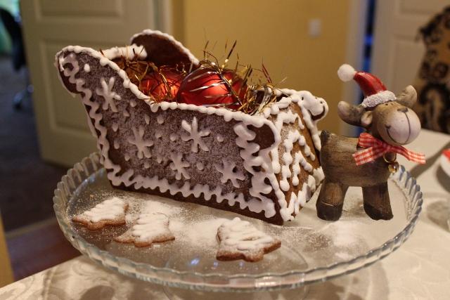 ziemassvētku dāvanas piparkūku mājiņa